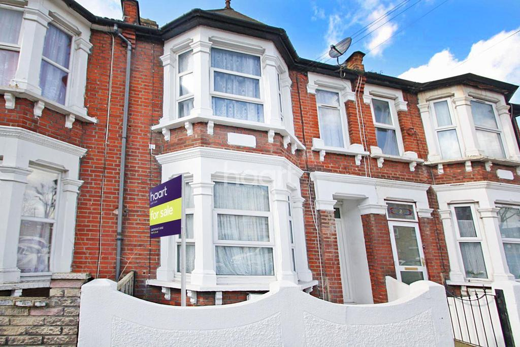 3 Bedrooms Terraced House for sale in Loxford Avenue
