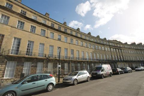 3 bedroom flat to rent - Norfolk Crescent
