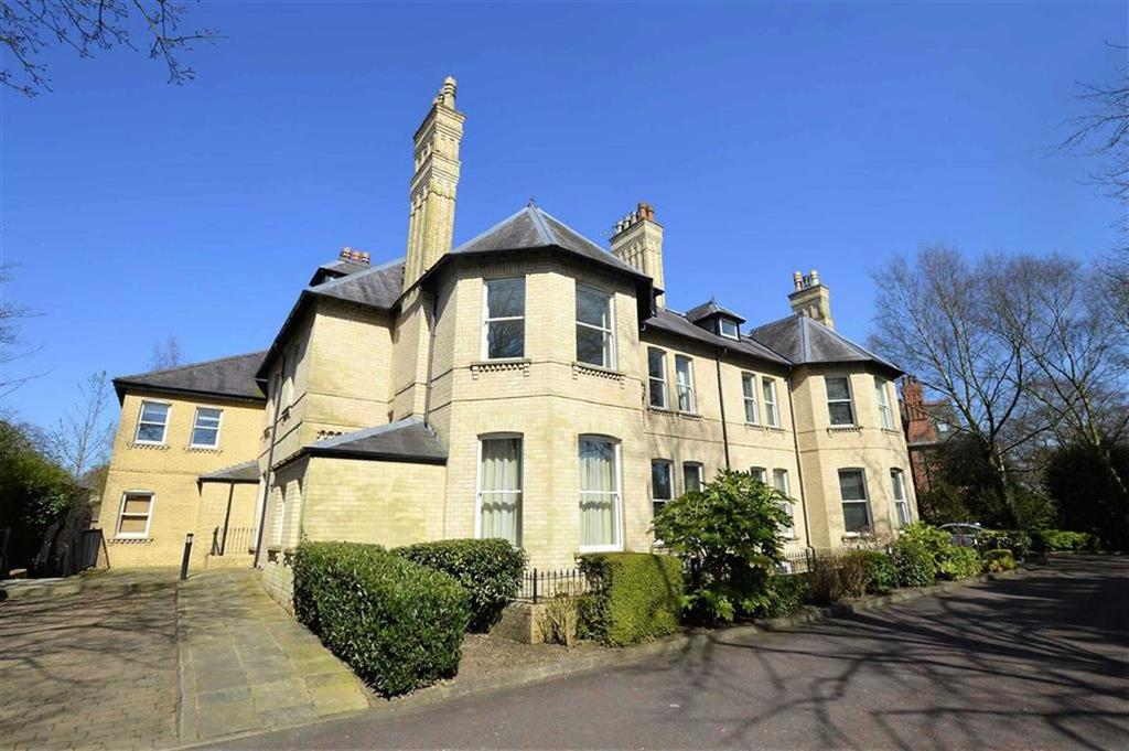 2 Bedrooms Apartment Flat for sale in Cavendish Road, Bowdon, Cheshire, WA14