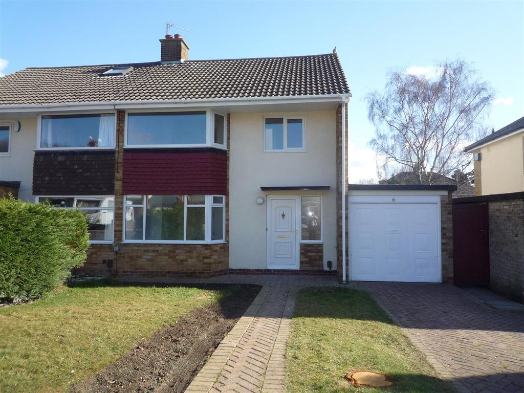 3 Bedrooms Semi Detached House for sale in Whitby Road, Nunthorpe