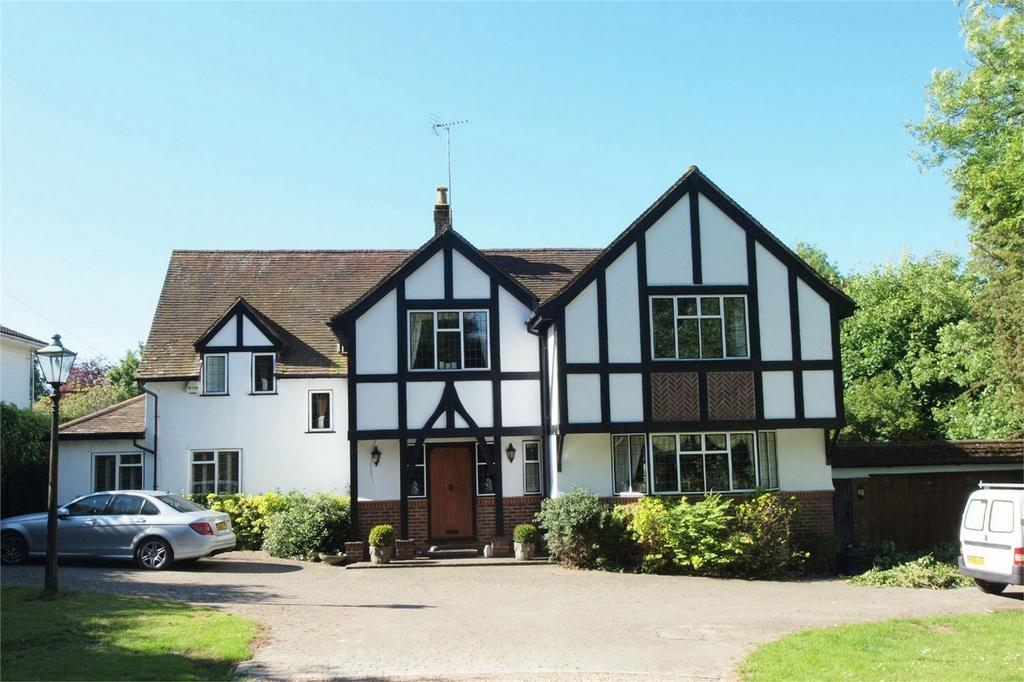5 Bedrooms Detached House for sale in Downe Road, Keston, Kent
