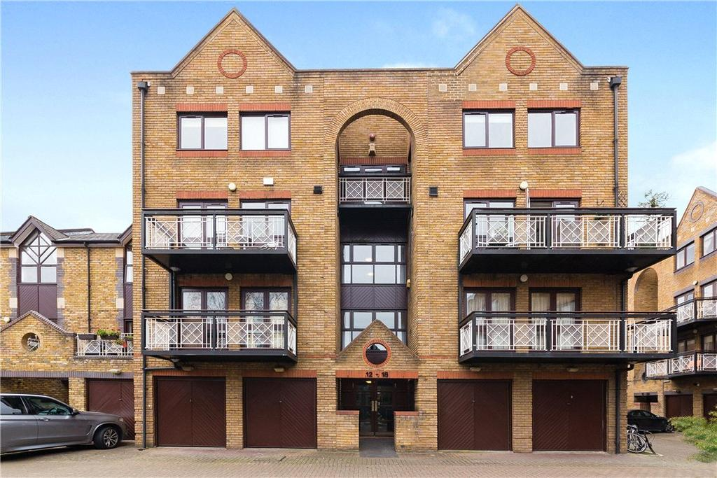 2 Bedrooms Flat for sale in Goodhart Place, Limehouse, London, E14