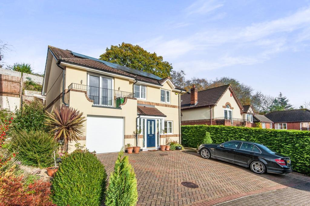 4 Bedrooms House for sale in St Peters Mount, Redhills, EX4