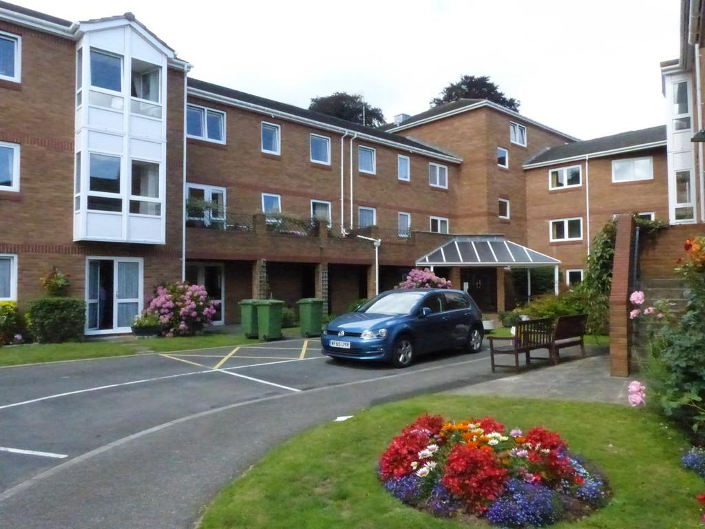 2 Bedrooms Apartment Flat for sale in Church Road, Newton Abbot