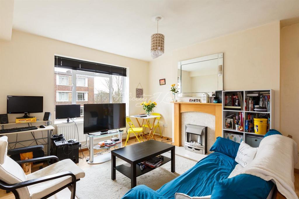 1 Bedroom Flat for sale in Eric Fletcher Court, Islington, N1