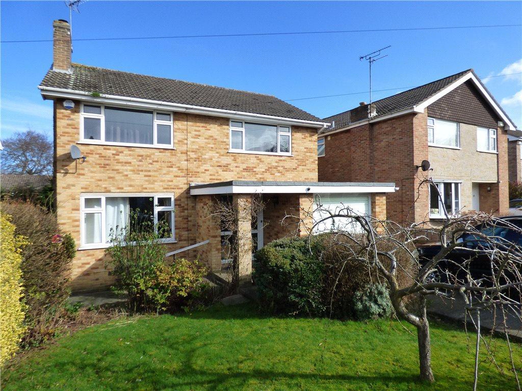 3 Bedrooms Detached House for sale in Wayside Walk, Harrogate, North Yorkshire