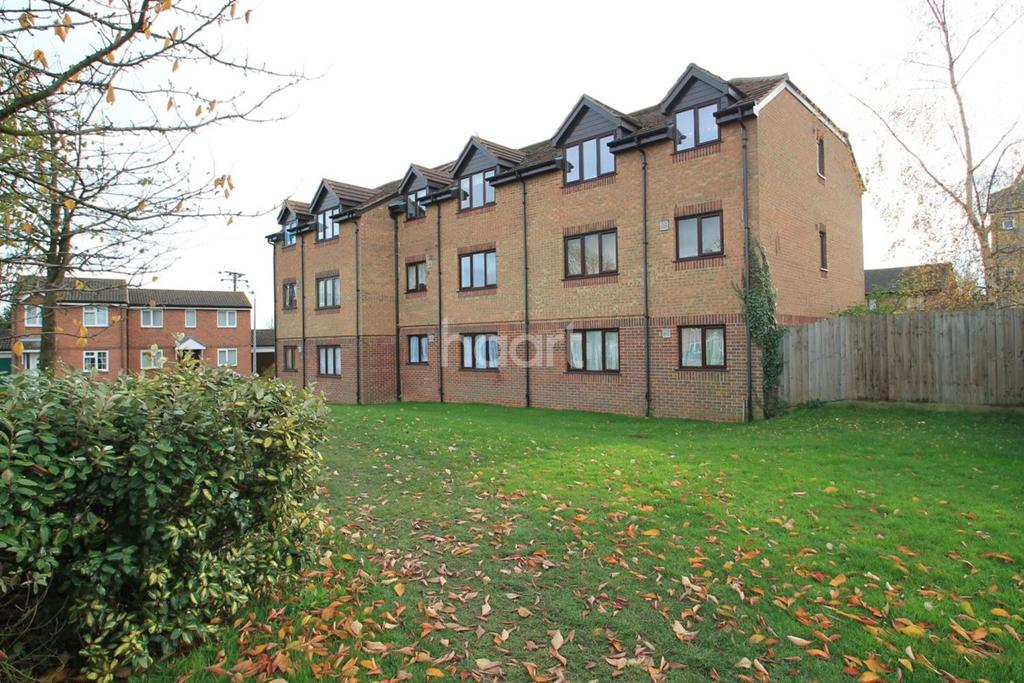 1 Bedroom Flat for sale in Campernell Close, Brightlingsea,