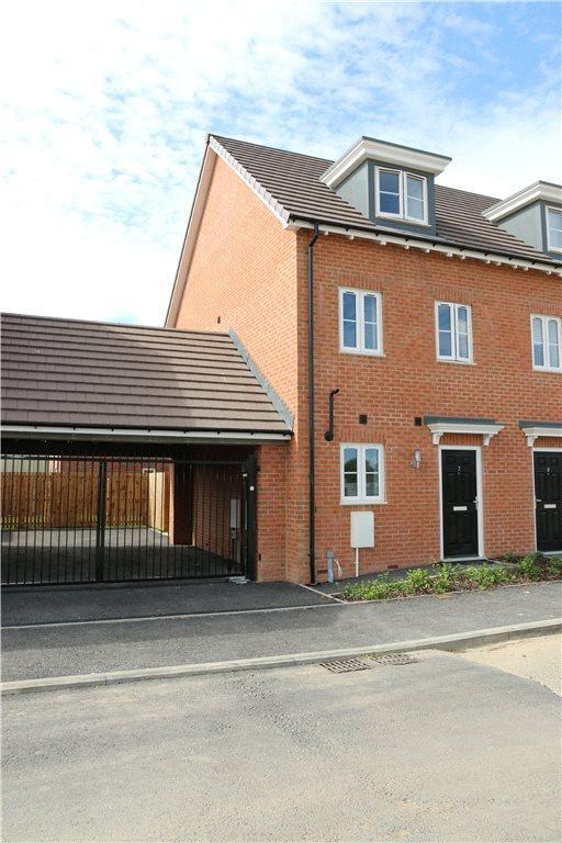 3 Bedrooms Terraced House for sale in PLOT 8 MALHAM PHASE 3, Navigation Point, Cinder Lane, Castleford, West Yorkshire