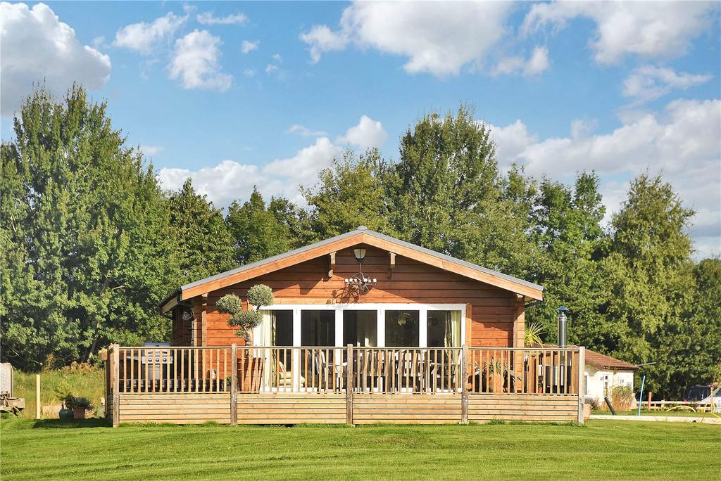 3 Bedrooms Detached Bungalow for sale in Frisby Lakes Lodge Park, Hoby Road, Asfordby