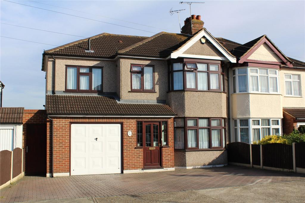 4 Bedrooms Semi Detached House for sale in Heather Way, Romford, RM1