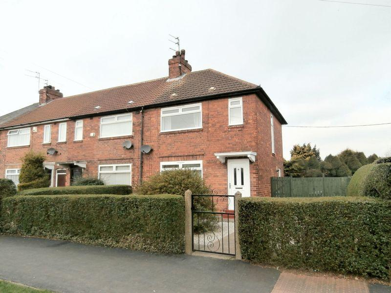 3 Bedrooms Terraced House for sale in James Reckitt Avenue, Hull