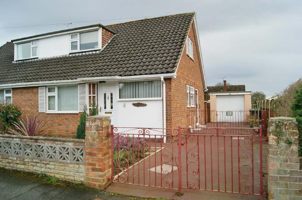 3 Bedrooms Semi Detached Bungalow for sale in Borras, Wrexham
