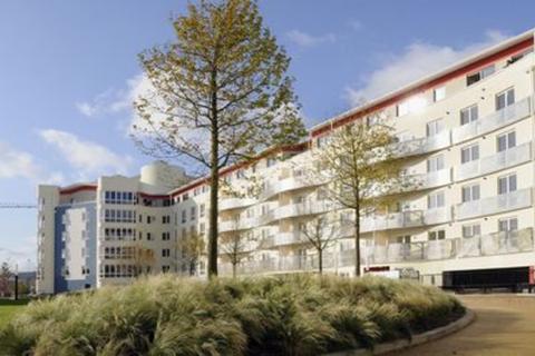 1 bedroom apartment to rent - Harbourside, The Crescent BS1 5JQ