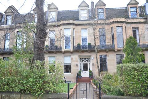 2 bedroom flat to rent - Beaconsfield Road, Basement Flat , Kelvinside, Glasgow, G12 0PJ