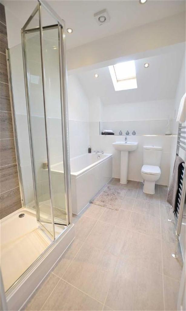 4 Bedrooms Semi Detached House for sale in The Hallows, Burnley, Lancashire