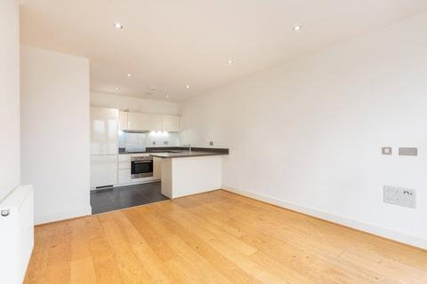 2 bedroom flat to rent - Spitfire House, 23 Coombe Lane, SW20