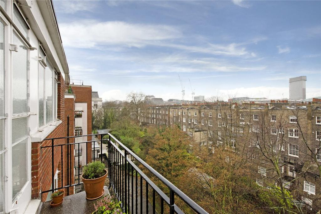 2 Bedrooms Flat for sale in Southampton Row, Bloomsbury, London