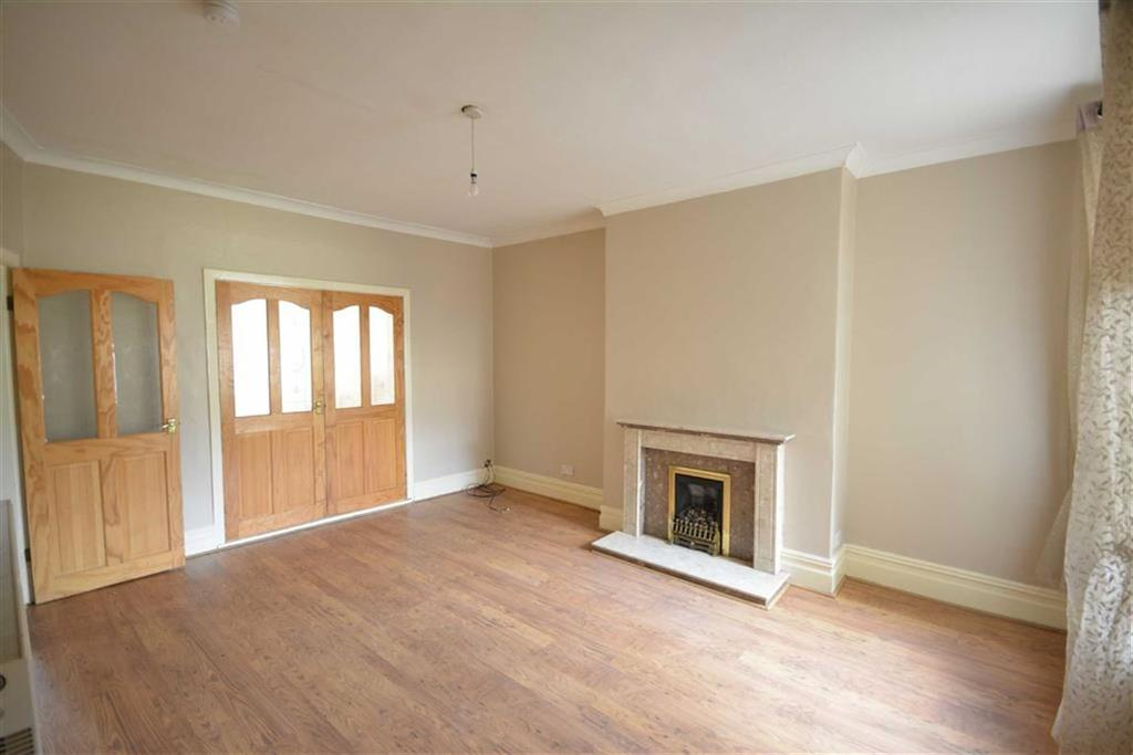 4 Bedrooms Terraced House for sale in Avenue Parade, Accrington, BB5