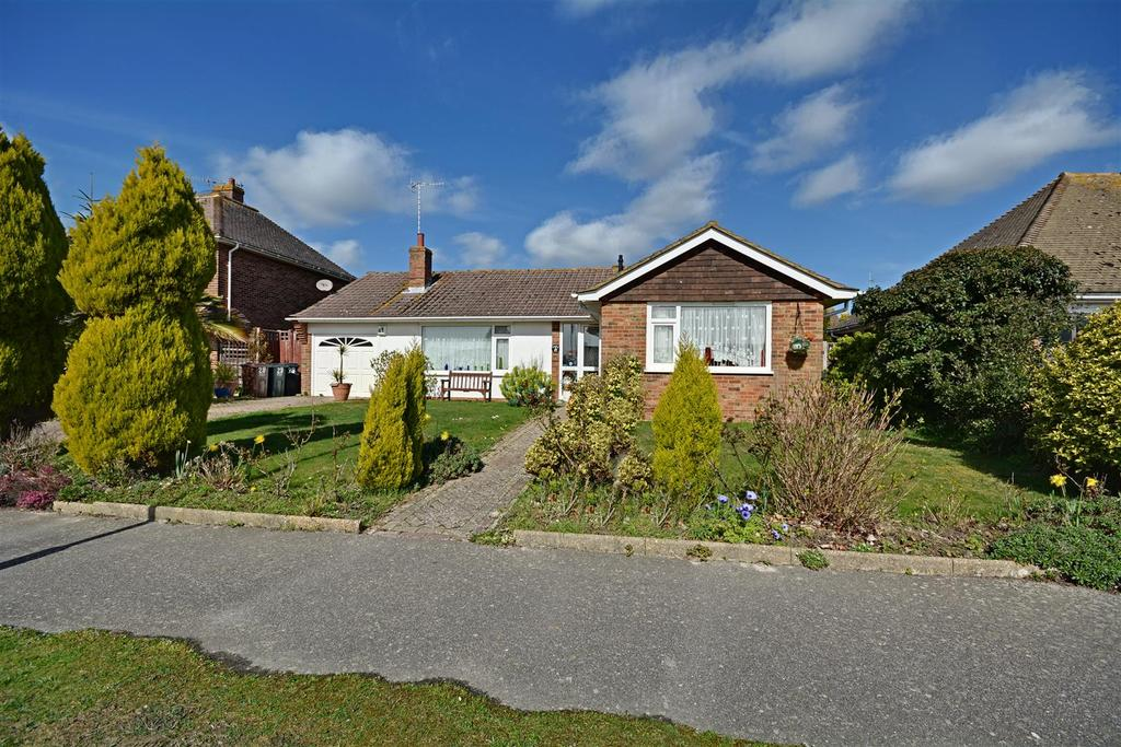 2 Bedrooms Detached Bungalow for sale in The Barnhams, Bexhill-On-Sea
