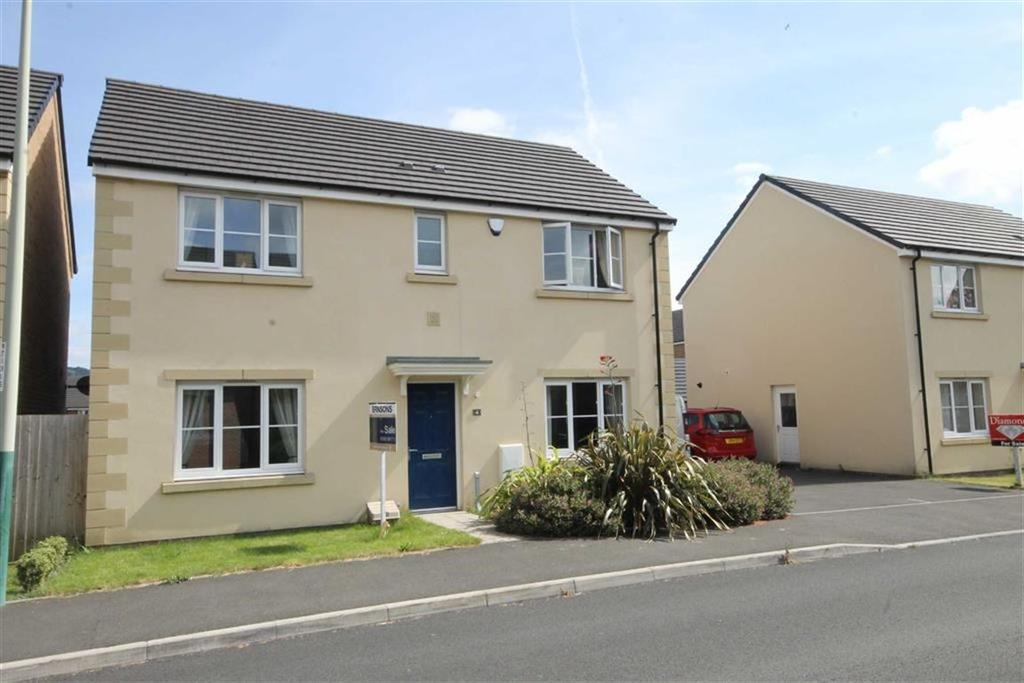 4 Bedrooms Detached House for sale in Long Heath Close, Caerphilly, CF83