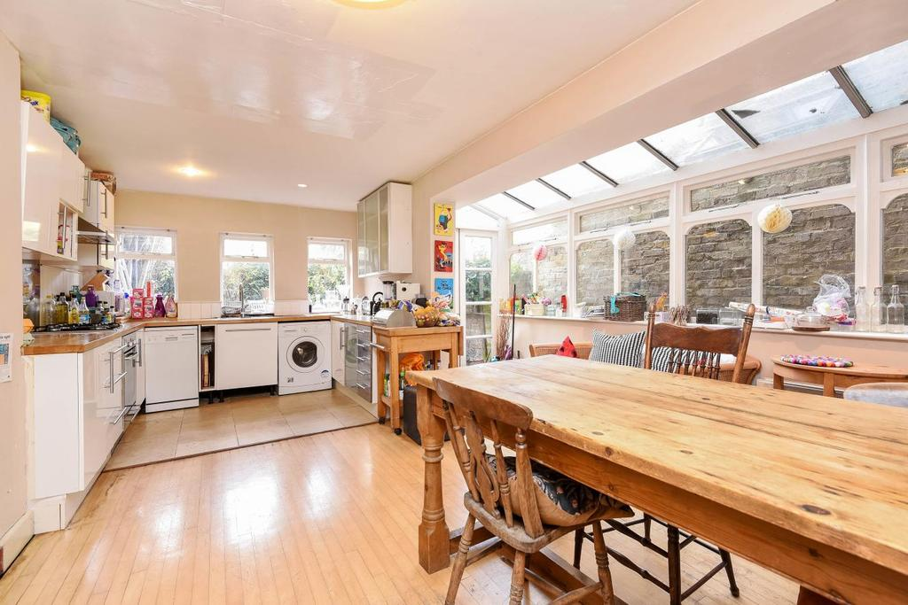 5 Bedrooms Terraced House for sale in Cavendish Road, Balham, SW12