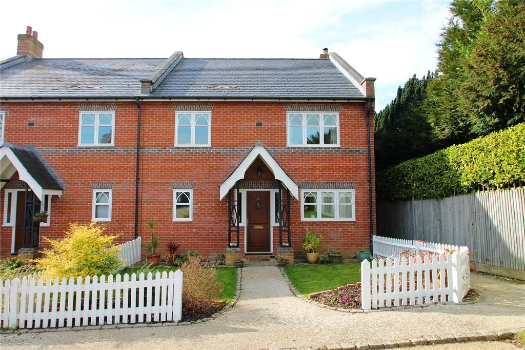 3 Bedrooms End Of Terrace House for rent in Convent Gardens, Findon, Worthing, BN14