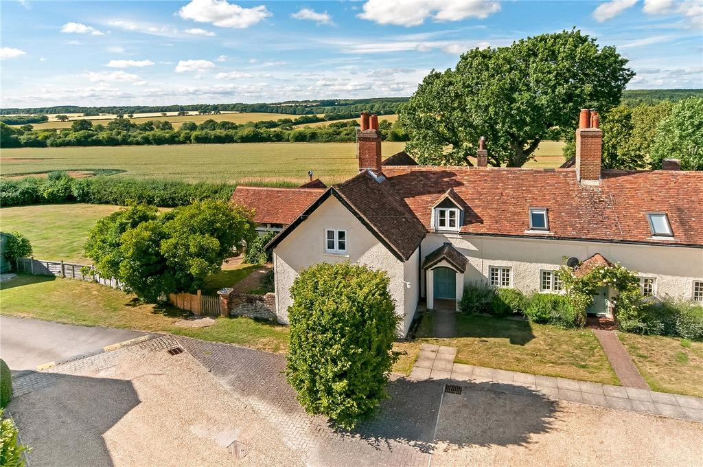 4 Bedrooms End Of Terrace House for sale in Parkhill Farm Cottages, West Stratton, Winchester, SO21
