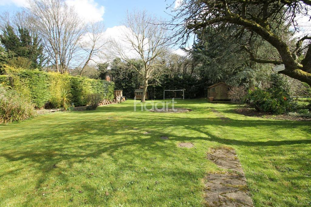 4 Bedrooms Detached House for sale in Kings Road, Biggin Hill