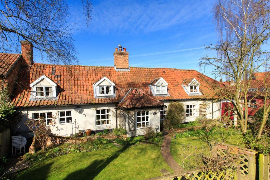 4 Bedrooms Cottage House for sale in Norwich