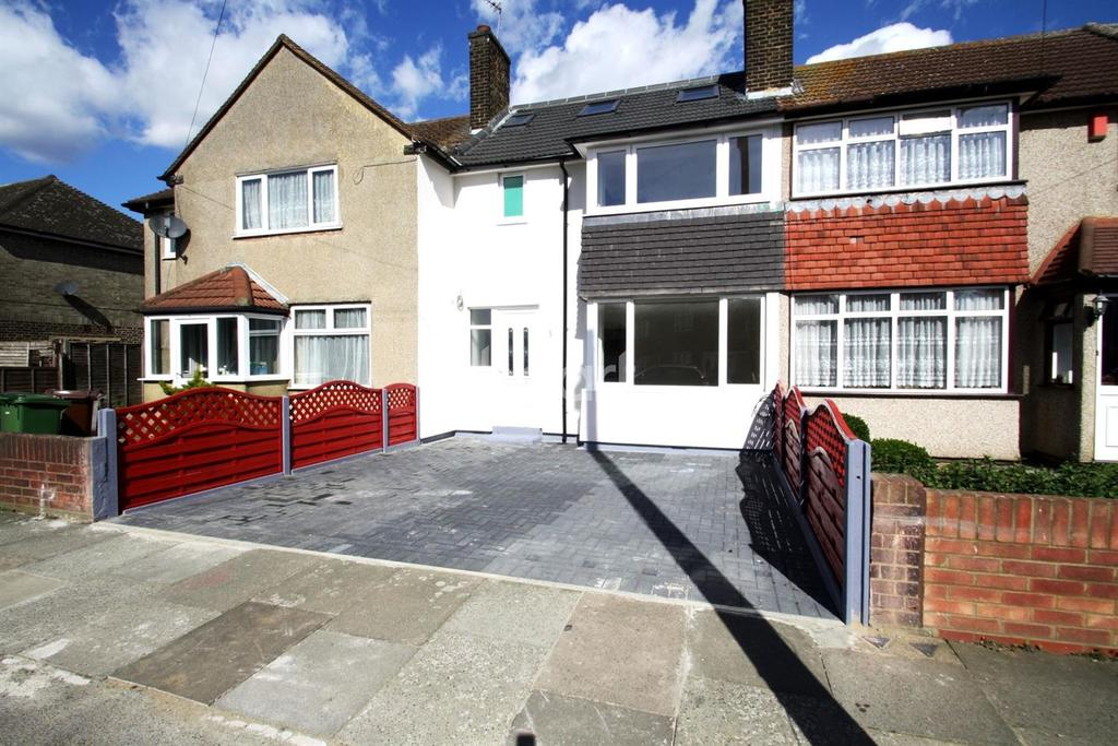 4 Bedrooms Terraced House for sale in Julia Gardens