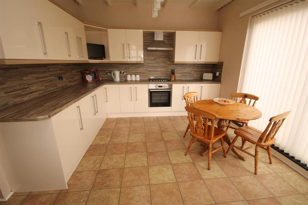 4 Bedrooms Cottage House for sale in The Green Elwick, Hartlepool