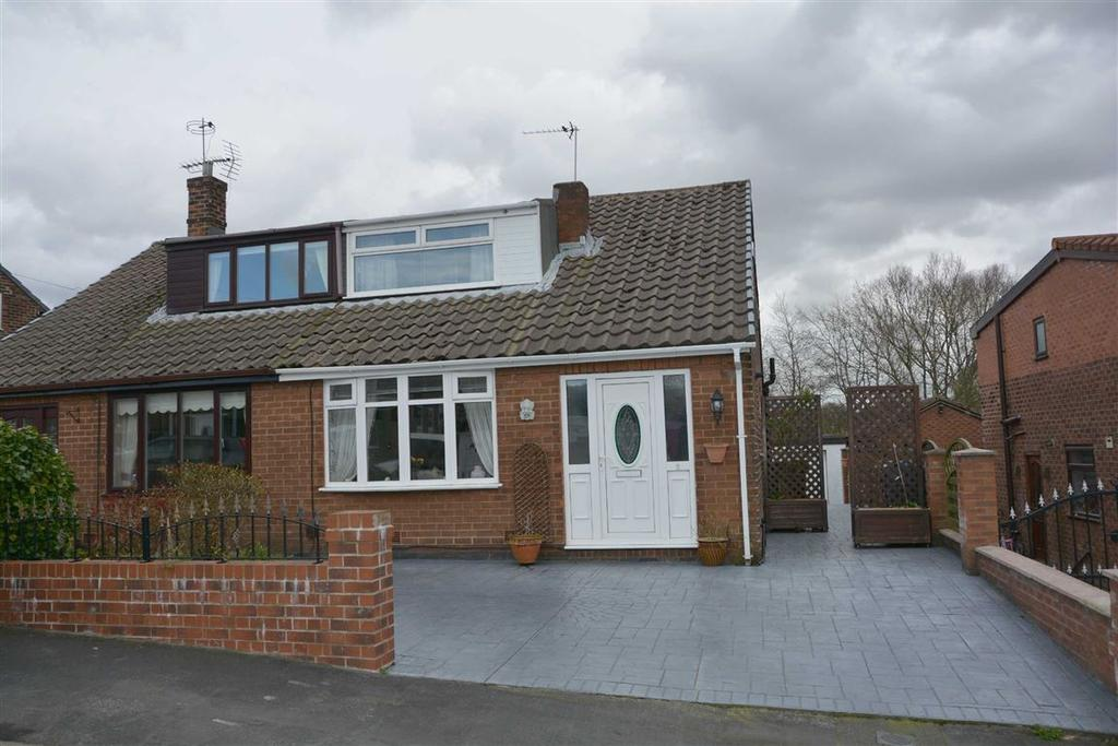 3 Bedrooms Semi Detached Bungalow for sale in Browning Grove, Standish Lower Ground, Wigan, WN6