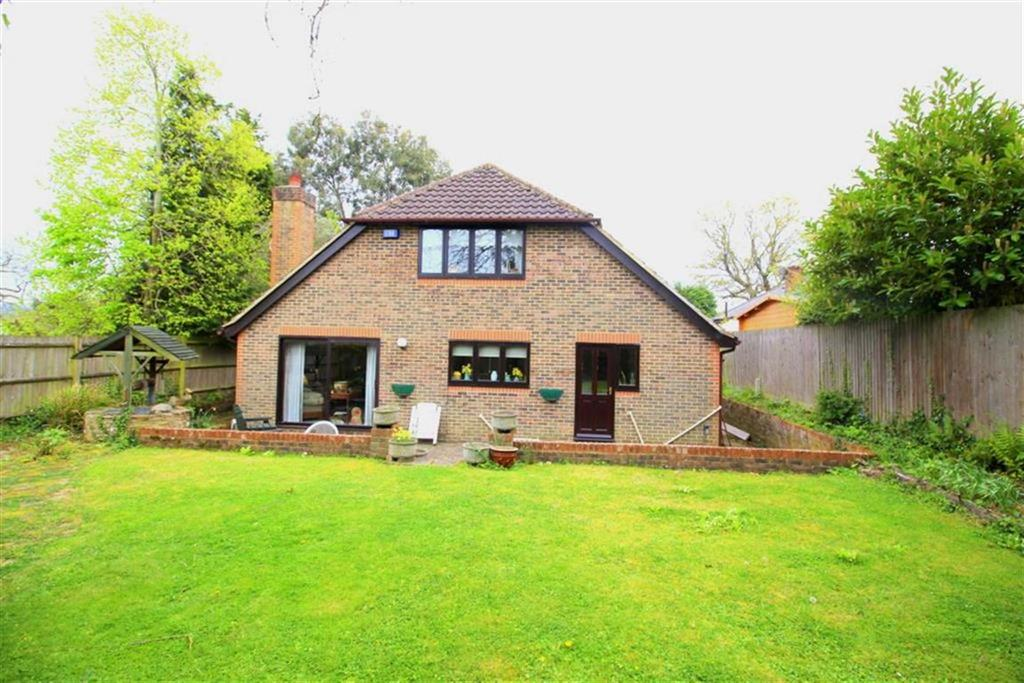 4 Bedrooms Detached Bungalow for sale in Westfield Lane, St Leonards On Sea