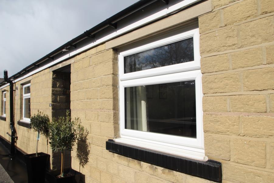 2 Bedrooms Flat for sale in OASTLER ROAD SHIPLEY BD18 4SE