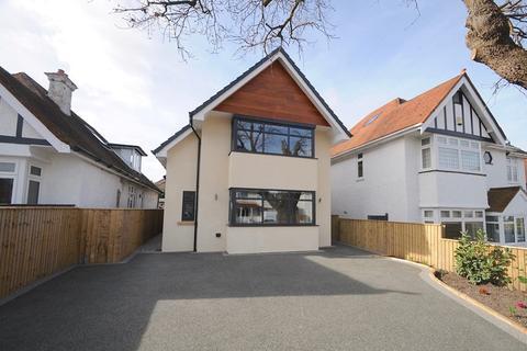 4 bedroom detached house for sale - Sandbanks Road, Poole