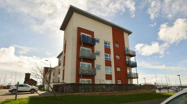 2 Bedrooms Flat for sale in 5 Dockers Gardens, Ardrossan, KA22 8GB