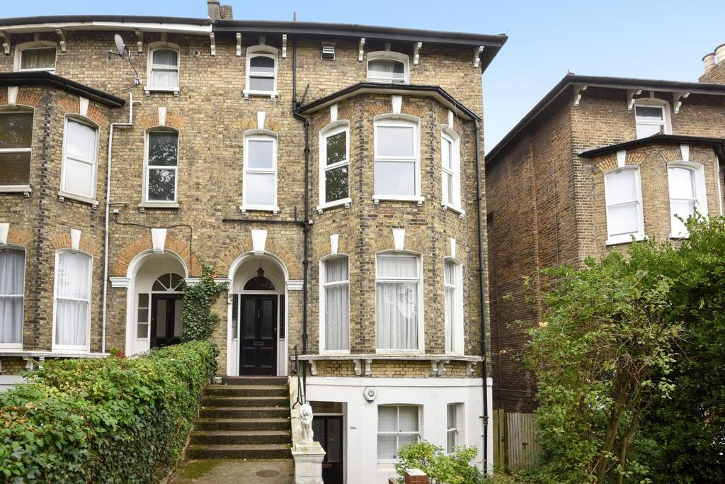 2 Bedrooms Flat for sale in Burnt Ash Hill, Lee, SE12