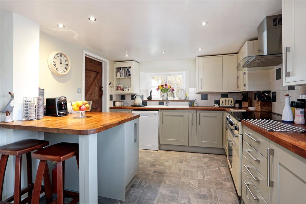 4 Bedrooms Detached House for sale in Mays Lane, Chiseldon, Swindon