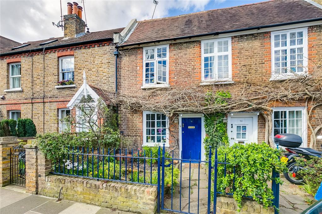 2 Bedrooms Terraced House for sale in Christchurch Road, London