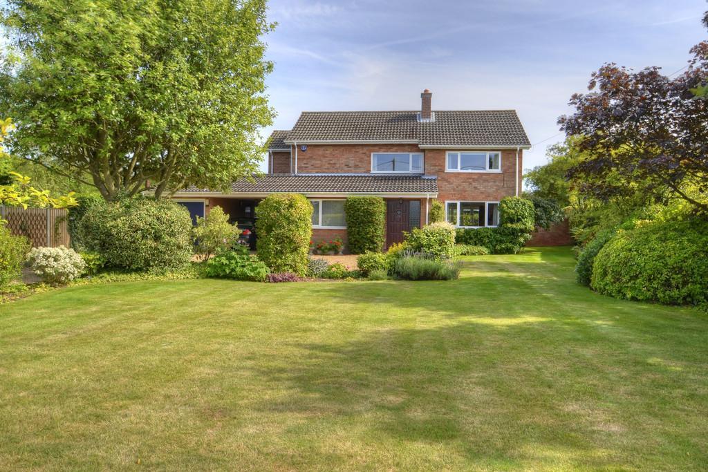 4 Bedrooms Detached House for sale in Bracon Ash, Norfolk