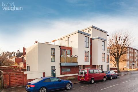 3 bedroom flat to rent - Palmeira Avenue, Brighton, BN3