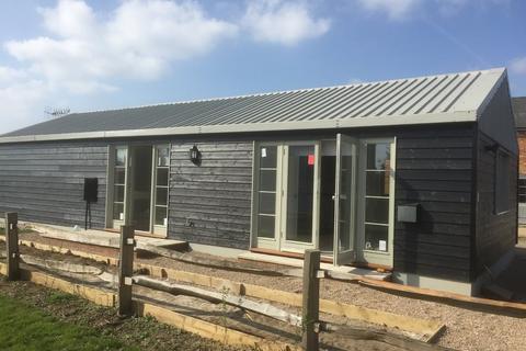 2 bedroom detached bungalow to rent - Collier Street, Marden, Kent