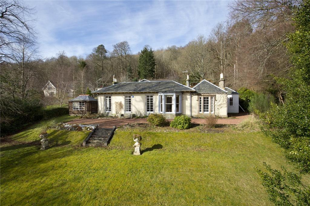 3 Bedrooms Detached Bungalow for sale in Glenroy, St Ronan's Terrace, Innerleithen, Peeblesshire, Scottish Borders