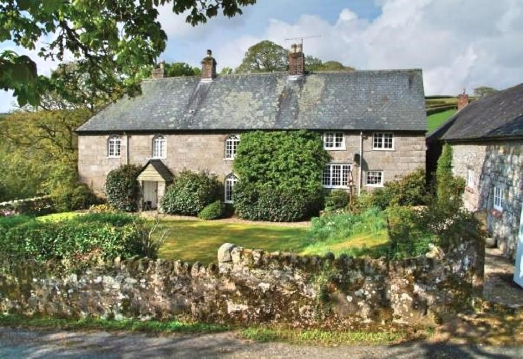 5 Bedrooms Farm House Character Property for sale in North Bovey, Dartmoor