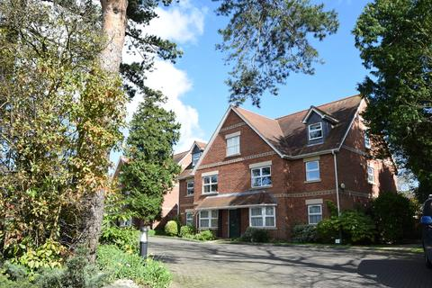 2 bedroom apartment for sale - Torvaine Park, Lower Parkstone