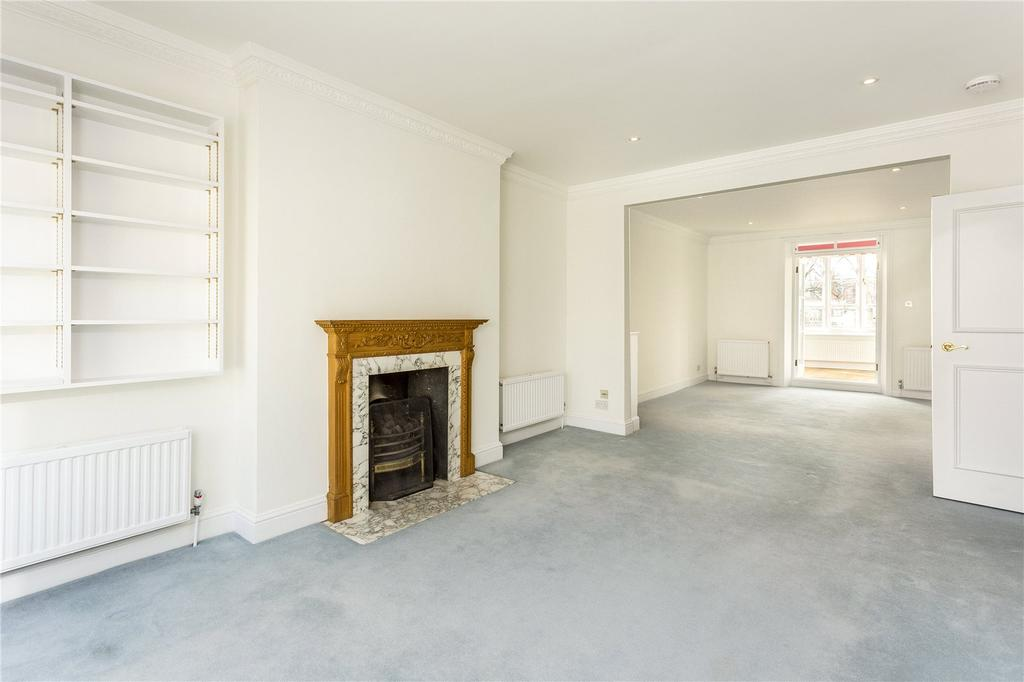 3 Bedrooms Flat for sale in Beaufort Street, London