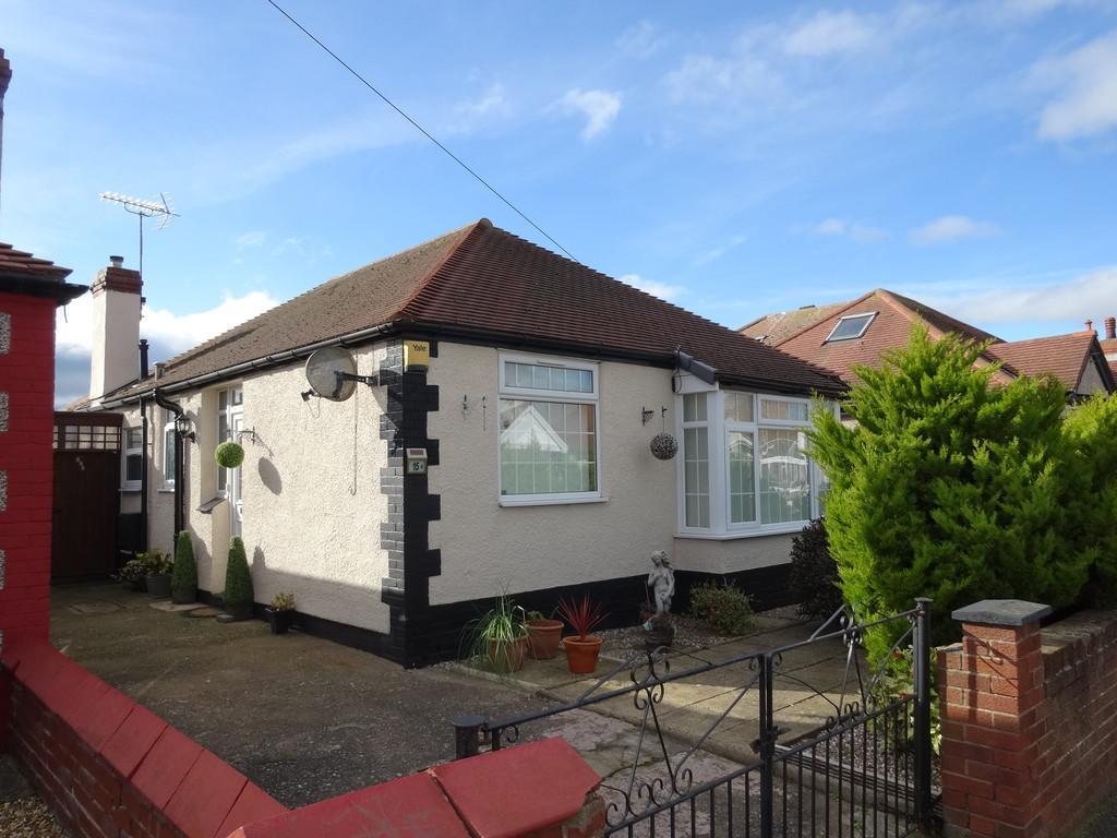 3 Bedrooms Detached Bungalow for sale in Regent Road, Rhyl