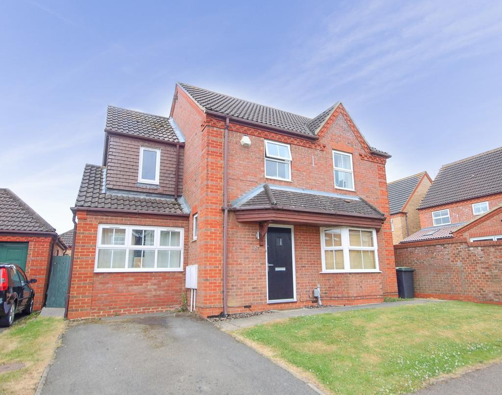 4 Bedrooms Detached House for sale in Roosevelt Avenue, Shefford, SG17
