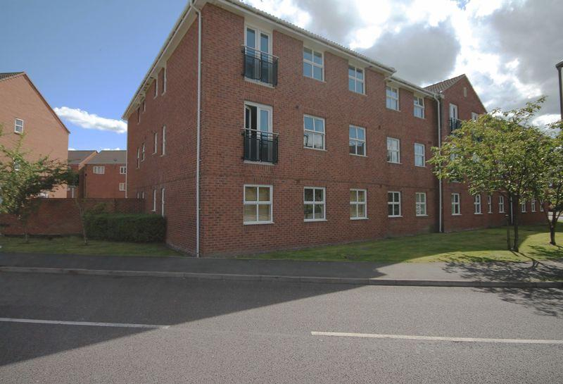 2 Bedrooms Apartment Flat for sale in LYNMOUTH HOUSE, WELLAND ROAD, HILTON