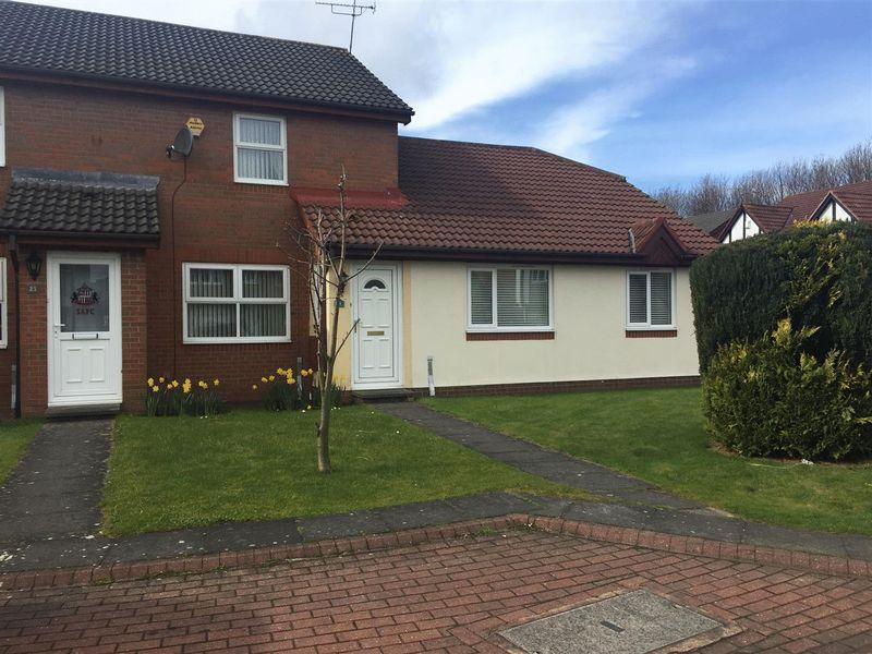 2 Bedrooms Terraced House for sale in Denby Close, Cramlington